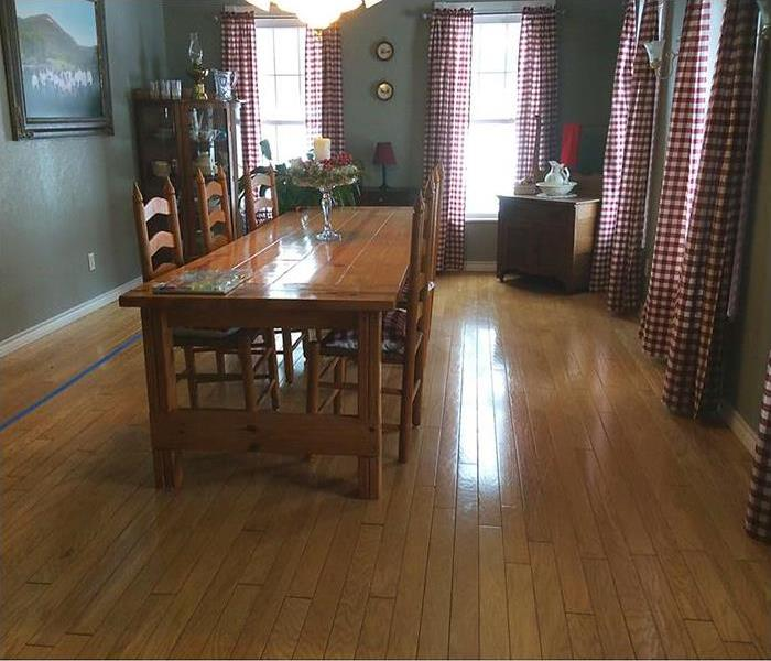 Saturated wood floor in dining room